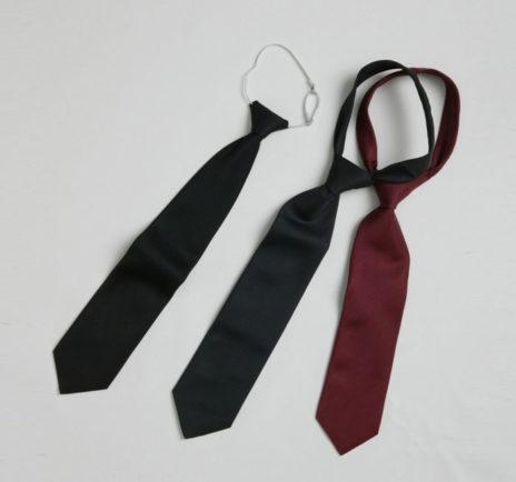 slips-sort-m-strikk